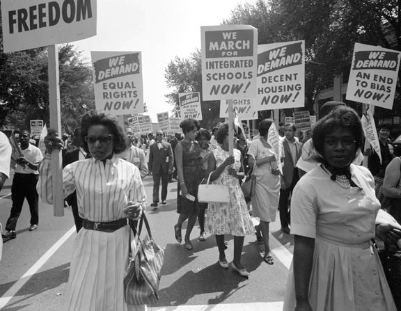 civil-rights-pickets
